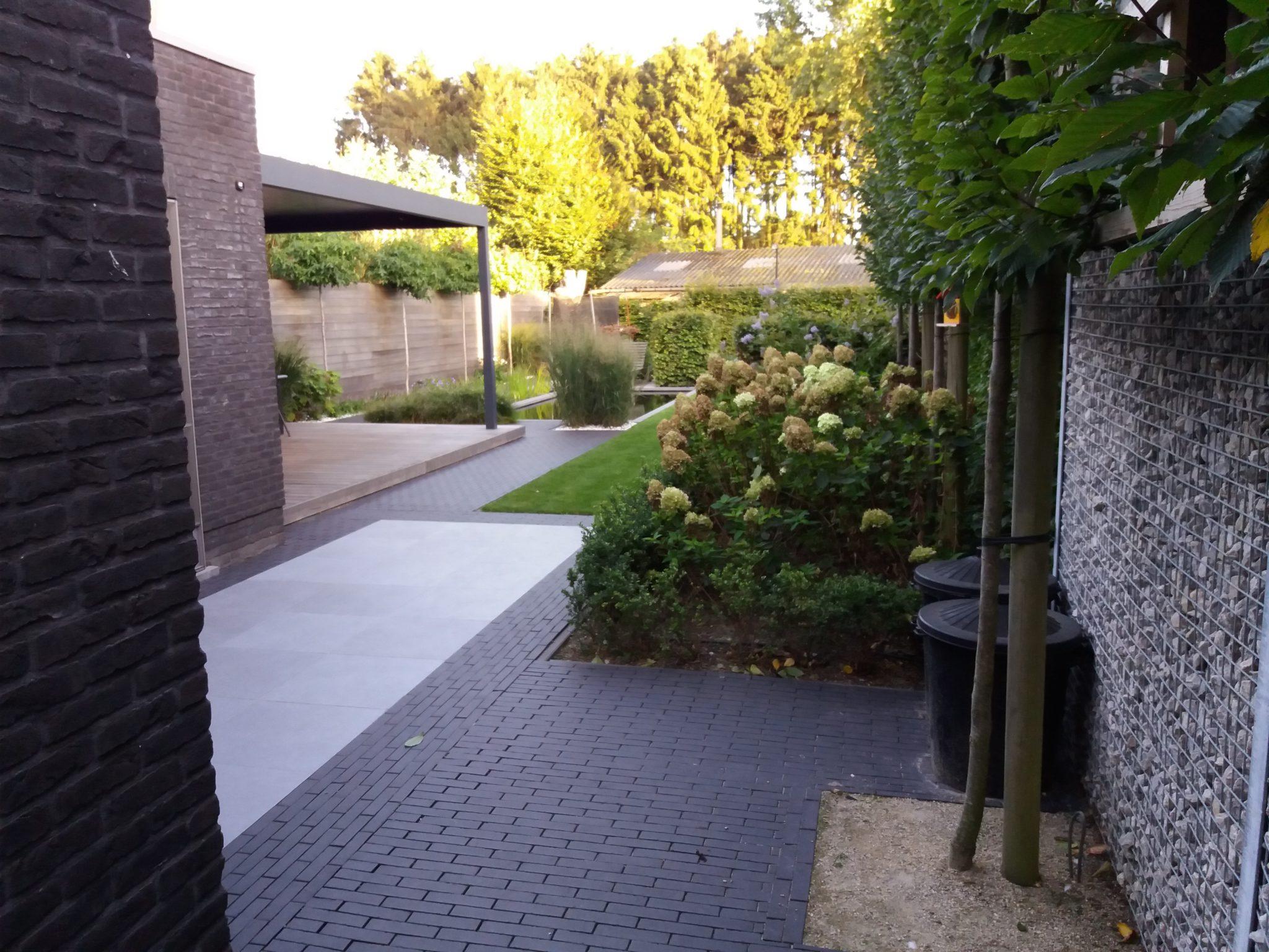 project 7 ook in de kleine tuin past een zwemvijver 1